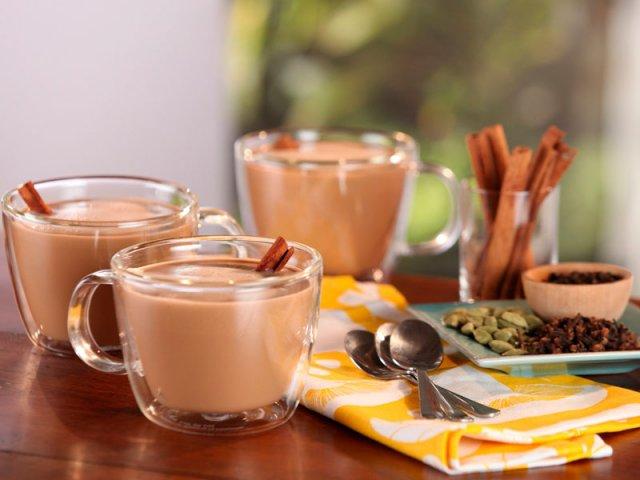 Горячий и пряный гималайский чай