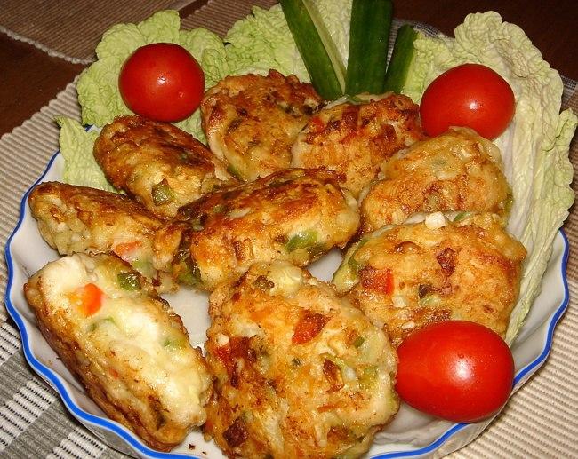 Котлеты из куриного фарша с сыром рецепт с фото пошагово