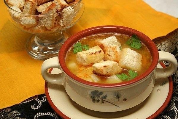 Гороховый суп с копченостями и гренками. Рецепт приготовления