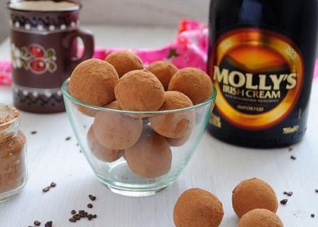 Шоколадно-миндальные трюфели с 'Айриш крем'. Рецепт приготовления